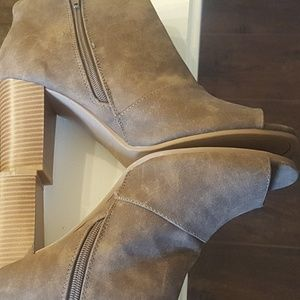 NEW, Qupid Brown Suede Ankle Boots sz 10 M